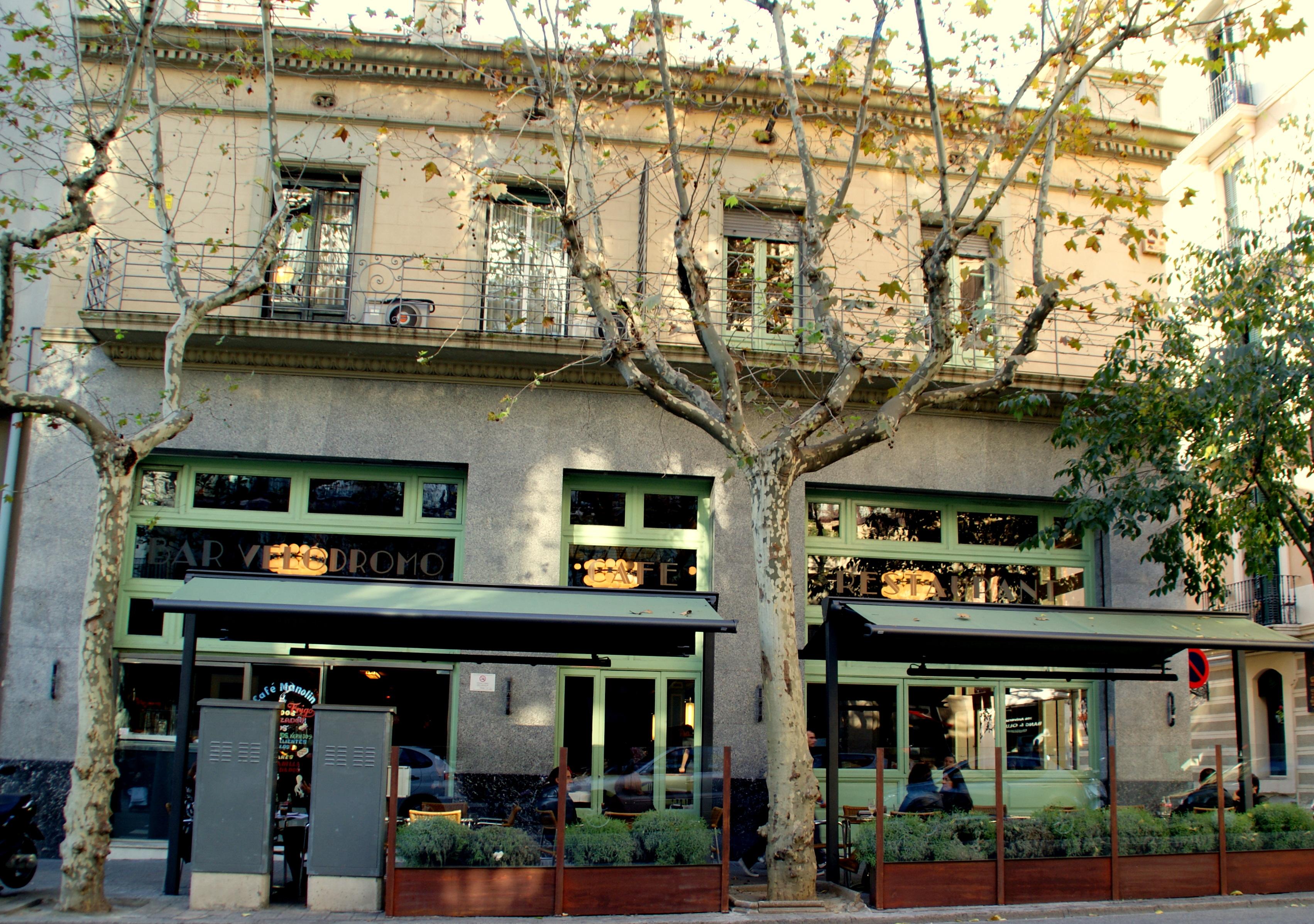 Restaurantes con terraza en sant gervasi santal barcelona - Precio toldos terraza barcelona ...